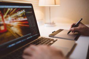Imagem meramente ilustrativa de como ganhar dinheiro como Web Design