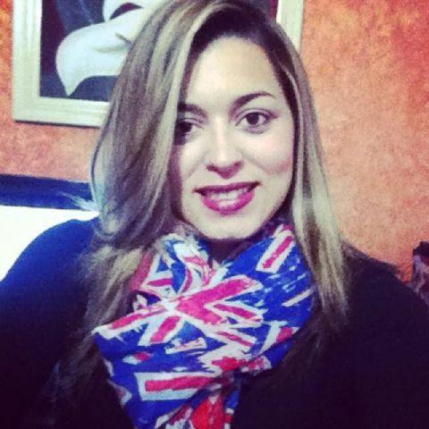 Caroline de Oliveira om_caroline Twitter